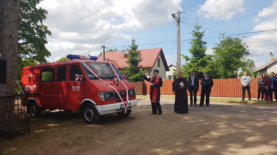 Poświęcenie wozu strażackiego OSP Walentynów
