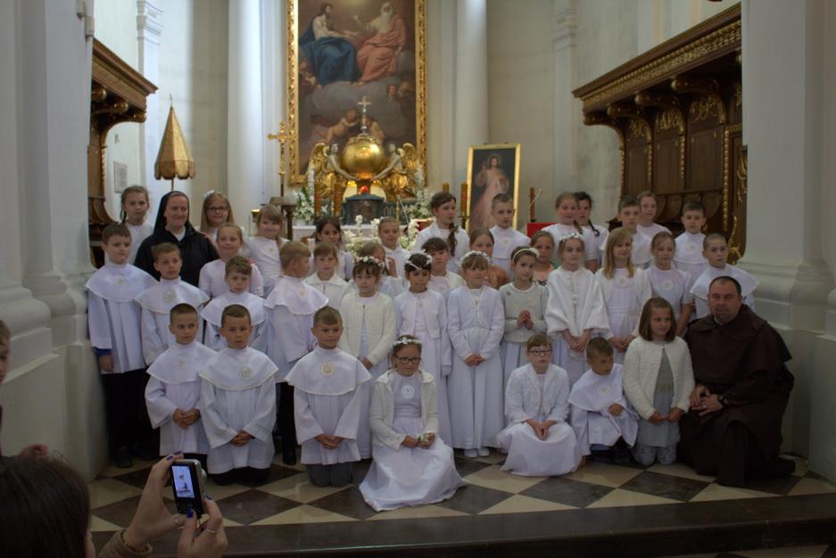 Pielgrzymka dzieci pierwszokomunijnych na Święty Krzyż